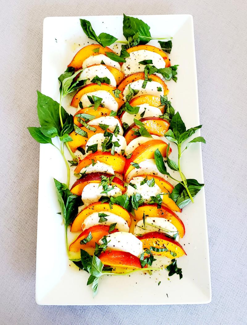 20200805_154328 Fresh Peach Caprese Salad